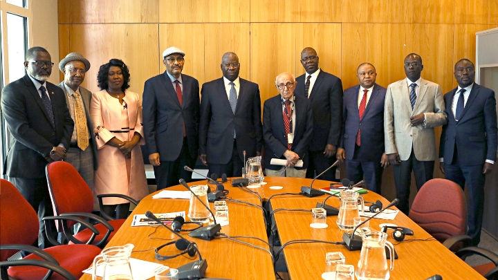 Predsjednik Meron i sudije i viši dužnosnici Suda pravde zajednice ECOWAS